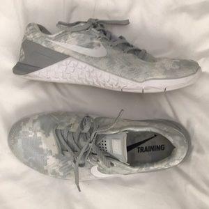 Nike Metcon 3 White & Gray Camo
